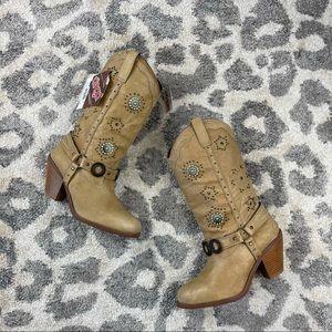 Dingo Addie Pigskin Chestnut Emblemed Cowboy Boots